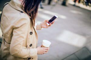 walking-texting